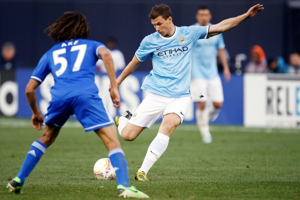 edin dzeko yankee stadium 600x400 Impressions of Manchester City vs Chelsea at Yankee Stadium