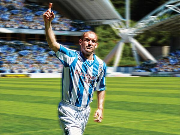 andy booth Huddersfield Town Launch New Home Shirt With Blast From The Past [PHOTOS]