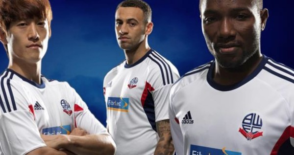 Bolton Ditch Payday Loan Sponsor, Change Club Crest & Unveil New Home Shirt, All In 24 Hours