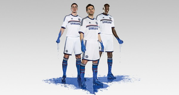 chelsea away shirt group 600x318 Chelsea Away Shirt for 2013 14 Season Unveiled: Official [PHOTOS]