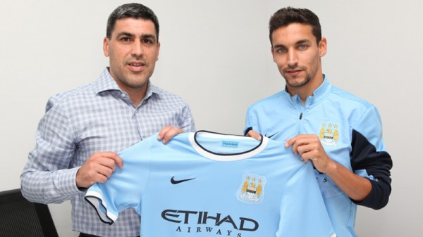 claudio reyna jesus navas 600x337 Jesus Navas Signs For Manchester City: Its Official [PHOTOS]