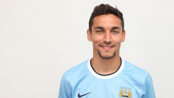 jesus navas manchester city 600x337 Jesus Navas Signs For Manchester City: Its Official [PHOTOS]