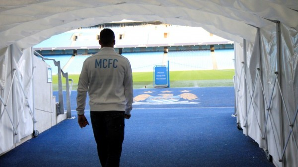alvaro negredo man city 600x337 Manchester City Signs Alvaro Negredo; Will Wear Number 9 Shirt: Official [PHOTOS]