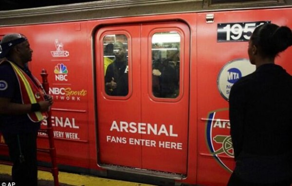 arsenal subway 600x381 NBC Advertises Premier League Rivalries On New York City Subway [PHOTOS]