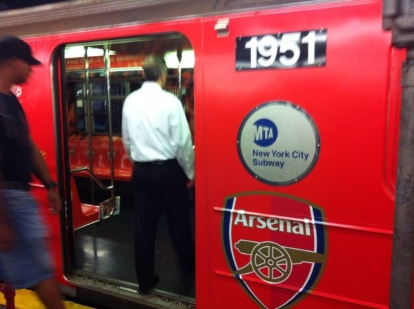 arsenal subway car 600x448 NBC Advertises Premier League Rivalries On New York City Subway [PHOTOS]