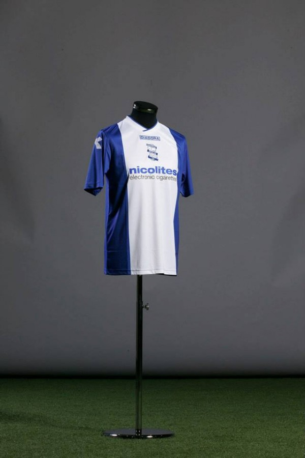 birmingham city home shirt model 600x900 Birmingham City Home Shirt for 2013 14 Season: Official [PHOTOS]