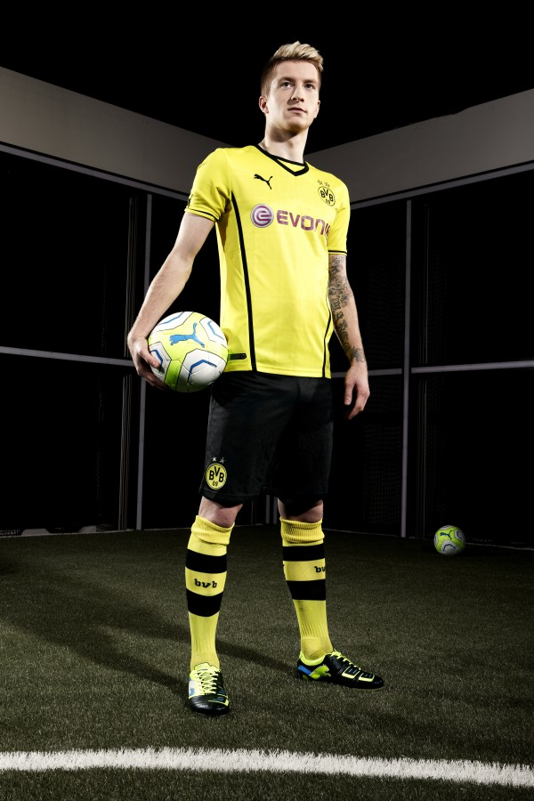 dortmund home shirt front full1 600x900 Borussia Dortmund Unveil Giant Sized New Kit at Westfalen Park [PHOTOS]