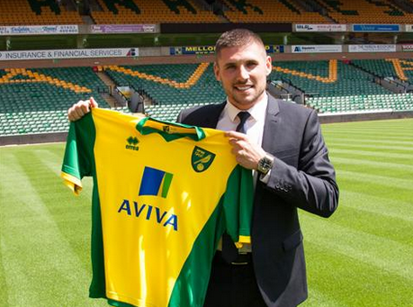 gary hooper Celtic Striker Gary Hooper Joins Norwich City On a 3 Year Deal