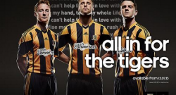 hull-city-home-shirt-group