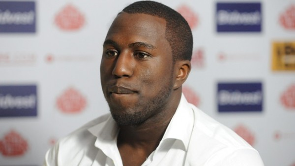 jozy altidore2 600x337 Jozy Altidore Robbed Of A Clear Goal For Sunderland Against Arsenal [GIF]