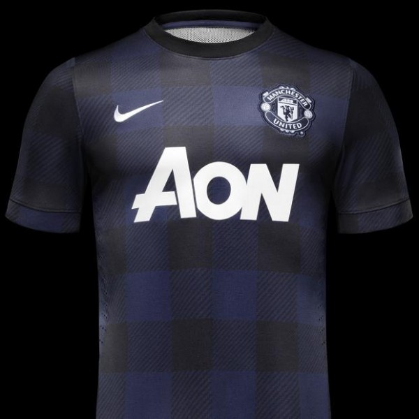 man united away shirt front1 600x600 Manchester United Launch Away Shirt for 2013 14 Season: Official [PHOTOS]