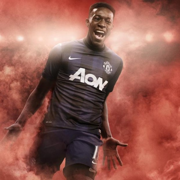 man united away shirt welbeck 600x600 Manchester United Launch Away Shirt for 2013 14 Season: Official [PHOTOS]