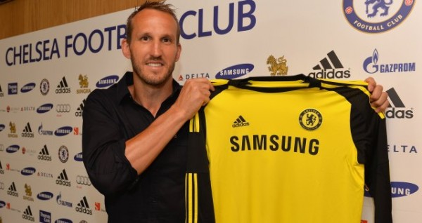 mark schwarzer 600x318 Chelsea Sign Goalkeeper Mark Schwarzer On A Free Transfer For One Season