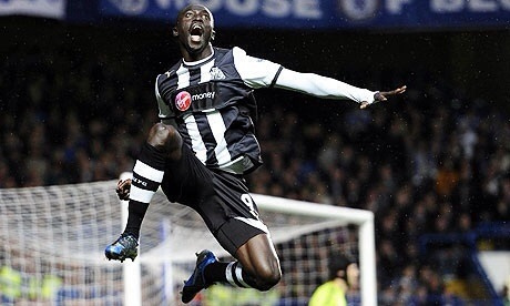 papiss cisse1 Newcastle Uniteds Papiss Cisse Resolves Shirt Sponsor Dispute