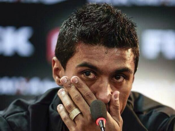Paulinho in Tears at his last press conference for Corinthians