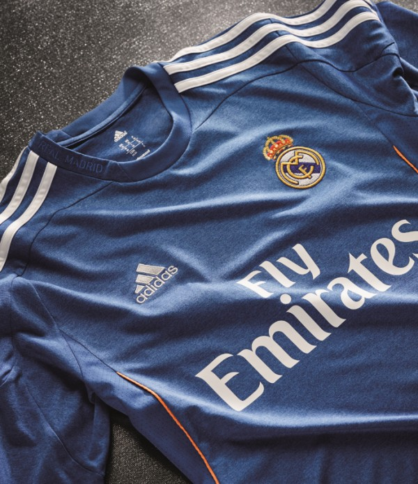 real madrid away shirt front1 600x694 Real Madrid Unveils Away Shirt for 2013 14 Season: Official [PHOTOS]
