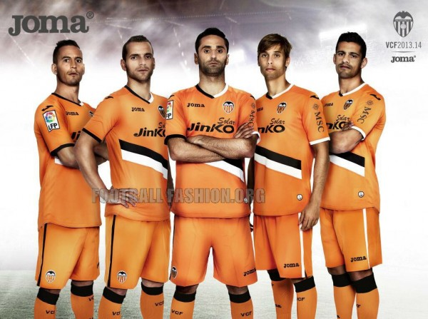 valencia away shirt 600x447 Valencia Home and Away Shirts for 2013 14 Season [PHOTOS]