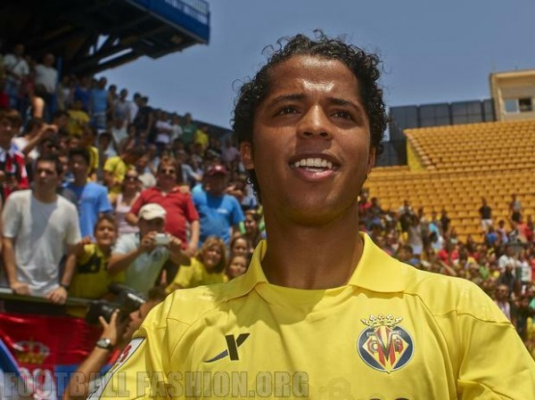 villarreal home shirt dos santos 600x449 Villarreal Home and Away Shirts for 2013 14 Season: [PHOTOS] & [VIDEO]