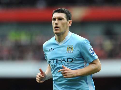 gareth barry Everton Eager to Recruit Gareth Barry From Manchester City But Face Problems Over His Wages: Nightly Soccer Report