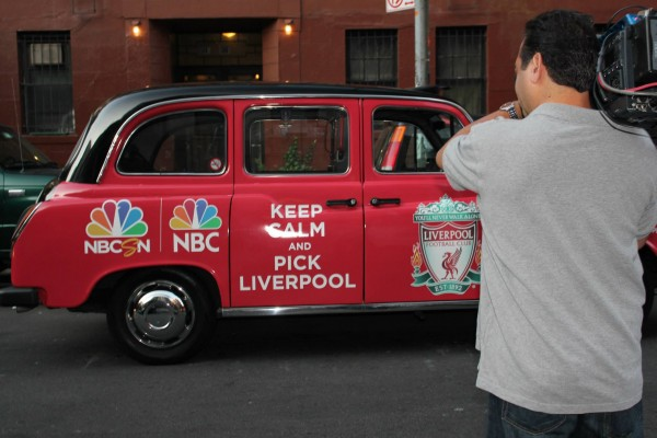 liverpool taxi cab 600x400 New Photos of London Taxi Cabs in Premier League Team Colors In New York City [PHOTOS]