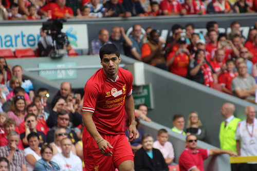 luis suarez2 Luis Suárez Apologizes to Liverpool And Resumes Squad Training: Daily Soccer Report