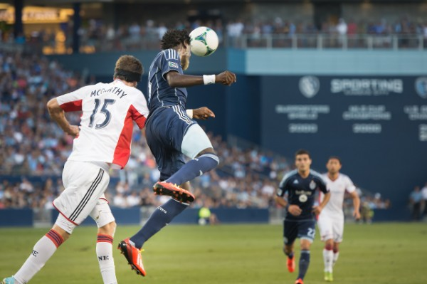 sporting kansas city new england revolution a 600x399 Sporting Kansas City Defeats New England Revolution 3 0 In Physical Match [PHOTOS]