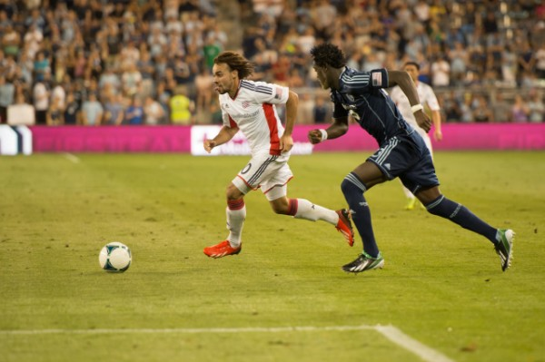 sporting kansas city new england revolution d 600x399 Sporting Kansas City Defeats New England Revolution 3 0 In Physical Match [PHOTOS]
