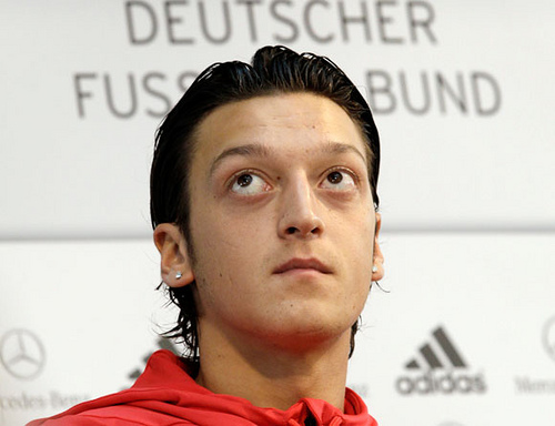 mesut ozil Arsenal Are In Advanced Talks to Sign Mesut Ozil From Real Madrid, Says Report [VIDEO]