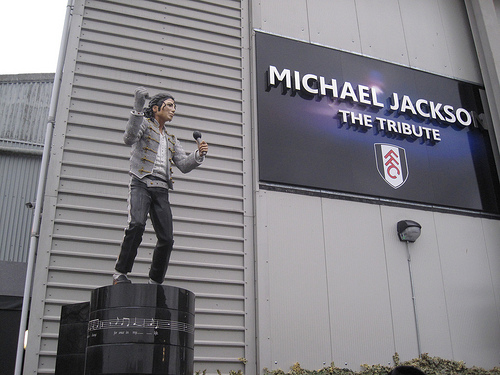 michael jackson statue fulham Michael Jackson Statue to be Removed From Fulhams Craven Cottage