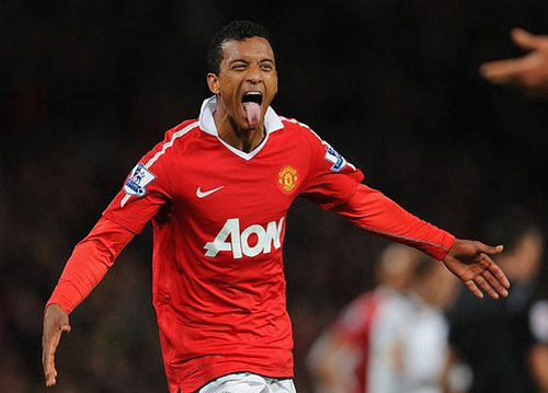 nani Manchester United Winger Nani Signs New 5 Year Contract