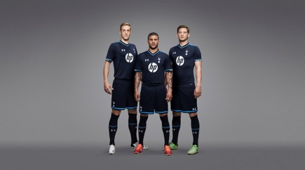 tottenham third shirt group 600x336 Tottenham Hotspur Third Shirt for 2013 14 Season: Official [PHOTOS]