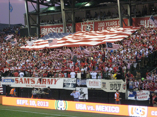 usa mexico1 USA vs. Mexico World Cup Qualifier on UniMás Draws 7.5 Million Total Viewers: Daily Soccer Report