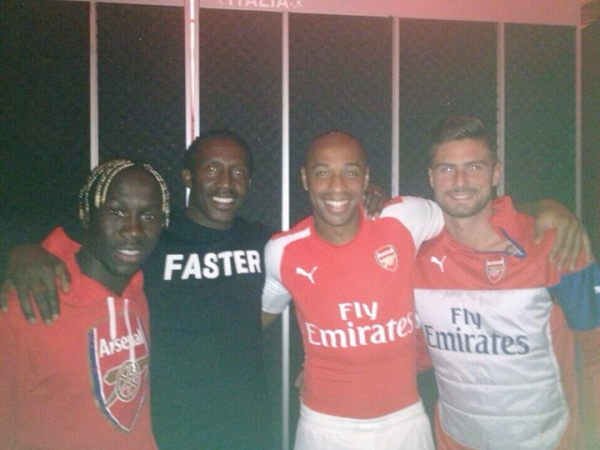 arsenal home away shirts puma 600x450 Arsenal Home Shirt for the 2014/15 Season From Puma: Leaked [PHOTO]