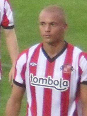 6005190202 359ee3a557 300x400 Wes Brown Red Card Rescinded