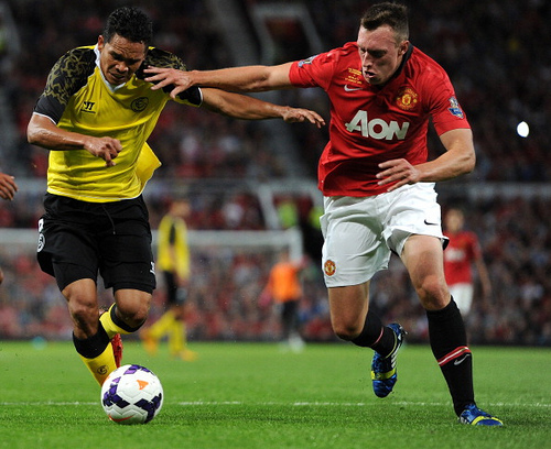 9476178810 47cb24b1bd Phil Jones is Better For Manchester United As a Midfielder Instead of Centre Back