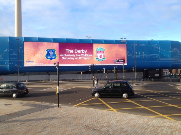 EFC LFC 600x450 The Merseyside Derby Experience: The Heart Of English Football