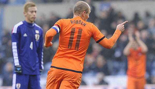 Majestic Arjen Robben Puts Spain to the Sword
