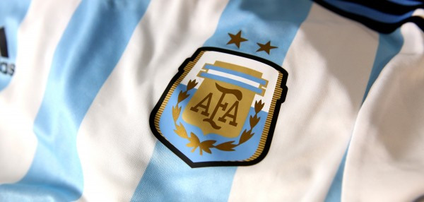 argentina world cup shirt crest 600x286 Where to Buy the Argentina World Cup Shirt For Brazil 2014