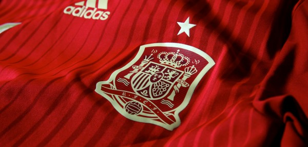 spain world cup shirt crest 600x286 Spain 2014 World Cup Shirt From adidas: Official [PHOTOS]