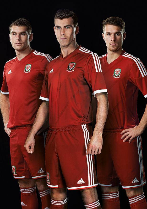 wales 2014 home shirt full Aaron Ramsey and Gareth Bale Unveil New Wales Home Shirt for 2014 From adidas [PHOTOS]