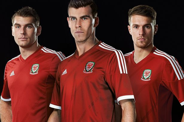 wales 2014 home shirt Aaron Ramsey and Gareth Bale Unveil New Wales Home Shirt for 2014 From adidas [PHOTOS]