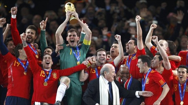 spain2010 2014 World Cup Draw: Spain and Netherlands in 2010 final repeat