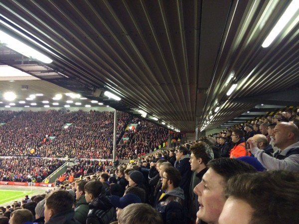 EFC Fans1 600x450 Experiencing the Merseyside Derby In Person at Anfield: The Heart Of English Football