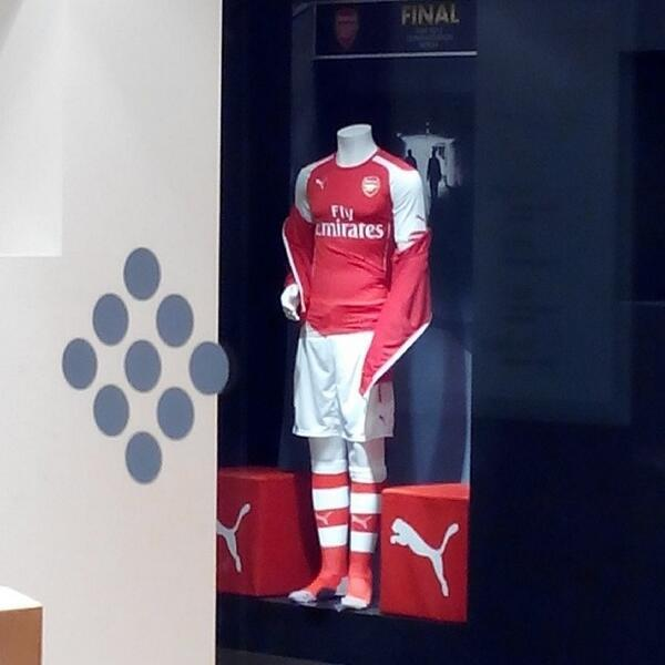 arsenal home kit puma Arsenal Announce Record Breaking Shirt Deal With Puma; Heres the Arsenal Puma Shirt For 2014/15