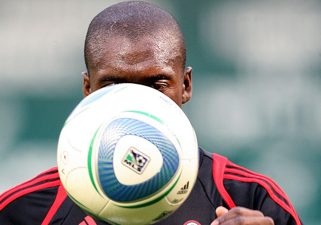 clarence seedorf Clarence Seedorf Set To Be Named New AC Milan Coach On Thursday: Nightly Soccer Report
