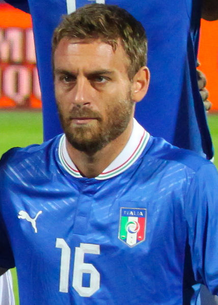daniele de rossi Daniele De Rossi Jokes He Would Have Committed Suicide If He Had Joined Manchester United