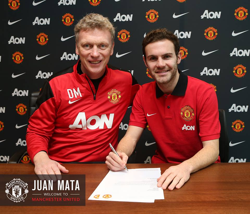 Manchester United Unveil Juan Mata As New Signing [VIDEO