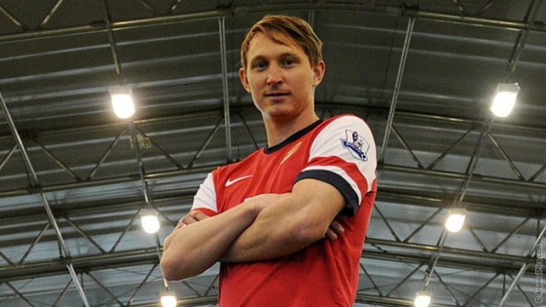 kim kallstrom 600x337 Arsenal Sign Kim Kallstrom On Loan Until End of Season [PHOTOS]