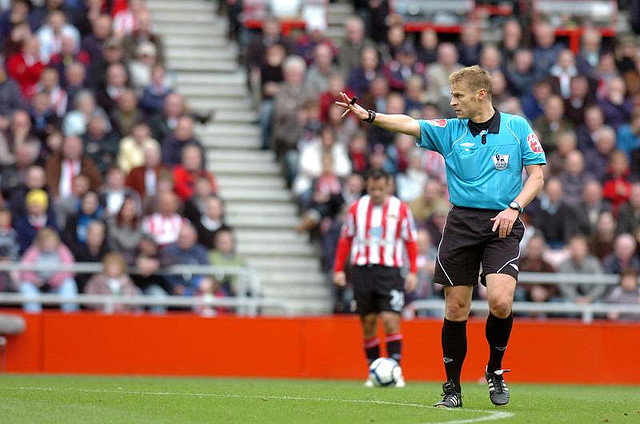 referee mike jones Referee Dropped From Next Weekends Premier League Matches After Newcastle Controversy
