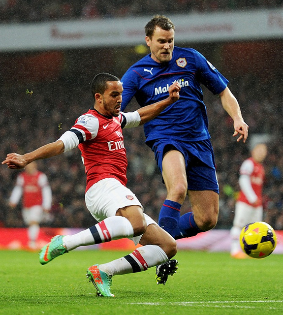 theo walcott1 Arsenal's Fighting Mentality Is Keeping Them in Premier League Title Race